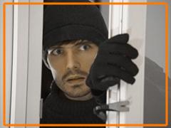 Seguridad y resistencia: CONFORTTA - Puertas y ventanas de PVC · aislamiento térmico y acústico.