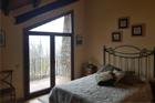 https://www.confortta.com/images/galeria/imatges/finestres/balconera-inclinada-graus-pvc-veka-softline-fusta-pirineu-girona.jpg