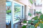 http://www.confortta.com/images/galeria/imatges/finestres/finestres-bandera-practicables-oscilo-batents-pvc-kommerling-eurofutur.jpg