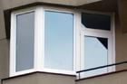 http://www.confortta.com/images/galeria/imatges/finestres/tribuna-barcelona-paral-lel-pvc-blanc-veka-softline.jpg