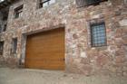 http://www.confortta.com/images/galeria/imatges/portes-garatge/porta-garatge-seccional-02.jpg