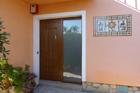 https://www.confortta.com/images/galeria/imatges/portes/porta-entrada-pvc-veka-roure-daurat-corbera-llobregat.jpg