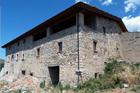 http://www.confortta.com/images/galeria/imatges/projectes/finestres-imitacio-fusta-pvc-veka-masia-collsuspina.jpg