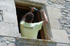 http://www.confortta.com/images/galeria/imatges/projectes/operari-confortta-finestra-practicable-oscilo-batent-pvc-veka.jpg